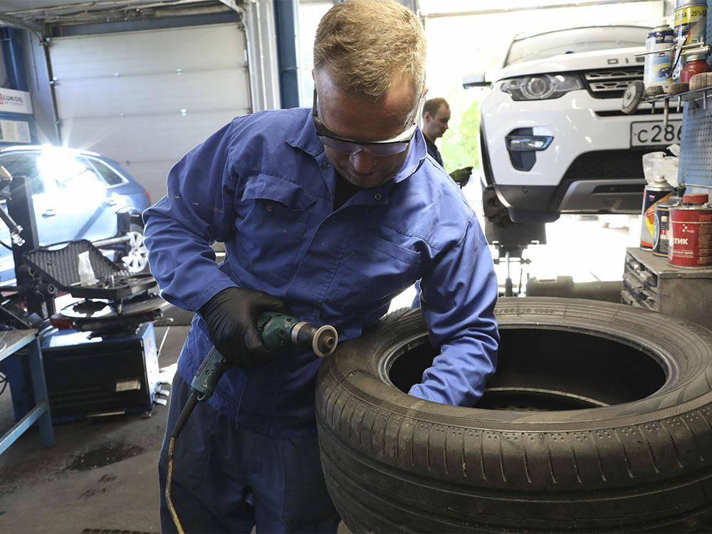 Ремонт бокового повреждения шины